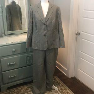 Gray green Le Suit pant suit 18W EUC